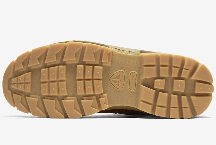 Nike Air Max Goadome Golden Beige 2