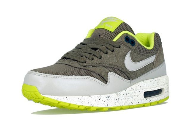 Nike Am1 Wmns Fall Overkill Delivery 7
