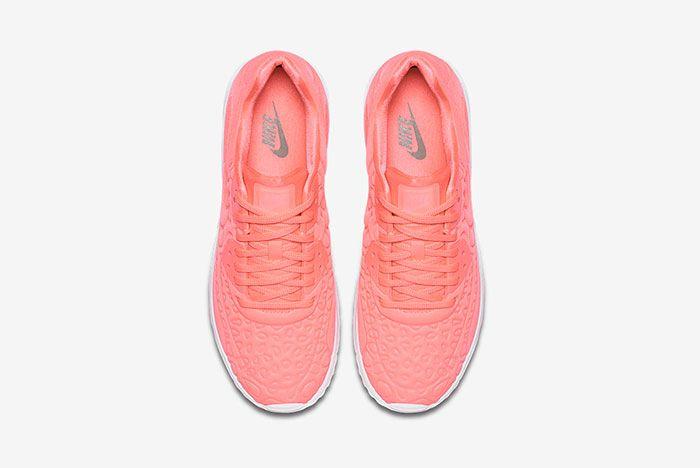 Nike Air Max 90 Plush 20