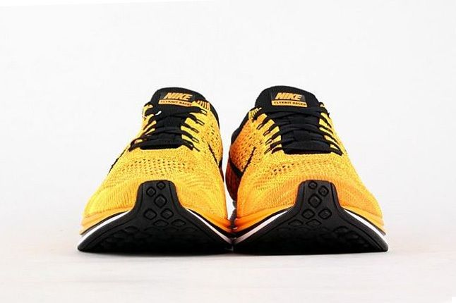 Nike Flyknit Racer Yellow Black 4