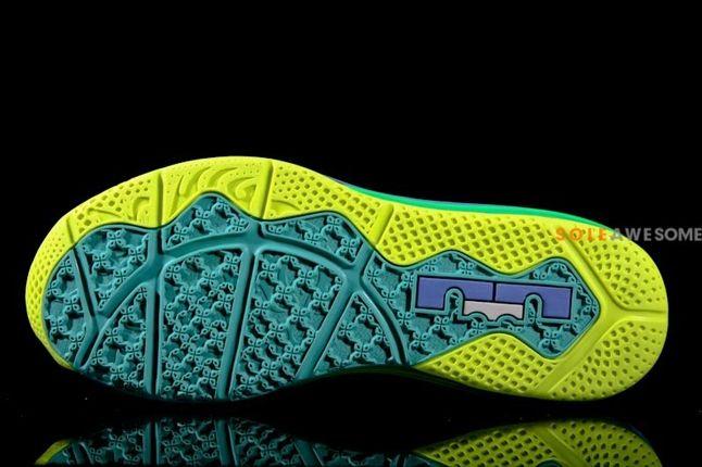 Nike Lebron X Low Sprite Pair Sole Profile 1