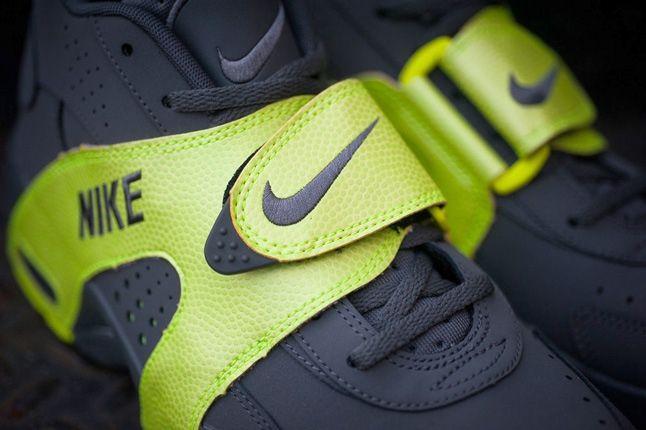 Nike Air Veer Volt 4
