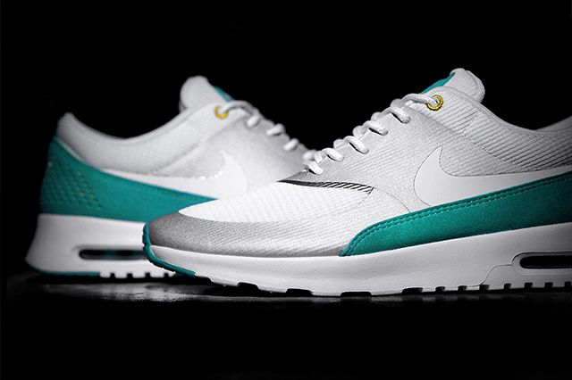 Nike Air Max Thea Metallic Silver Tribe Green 3