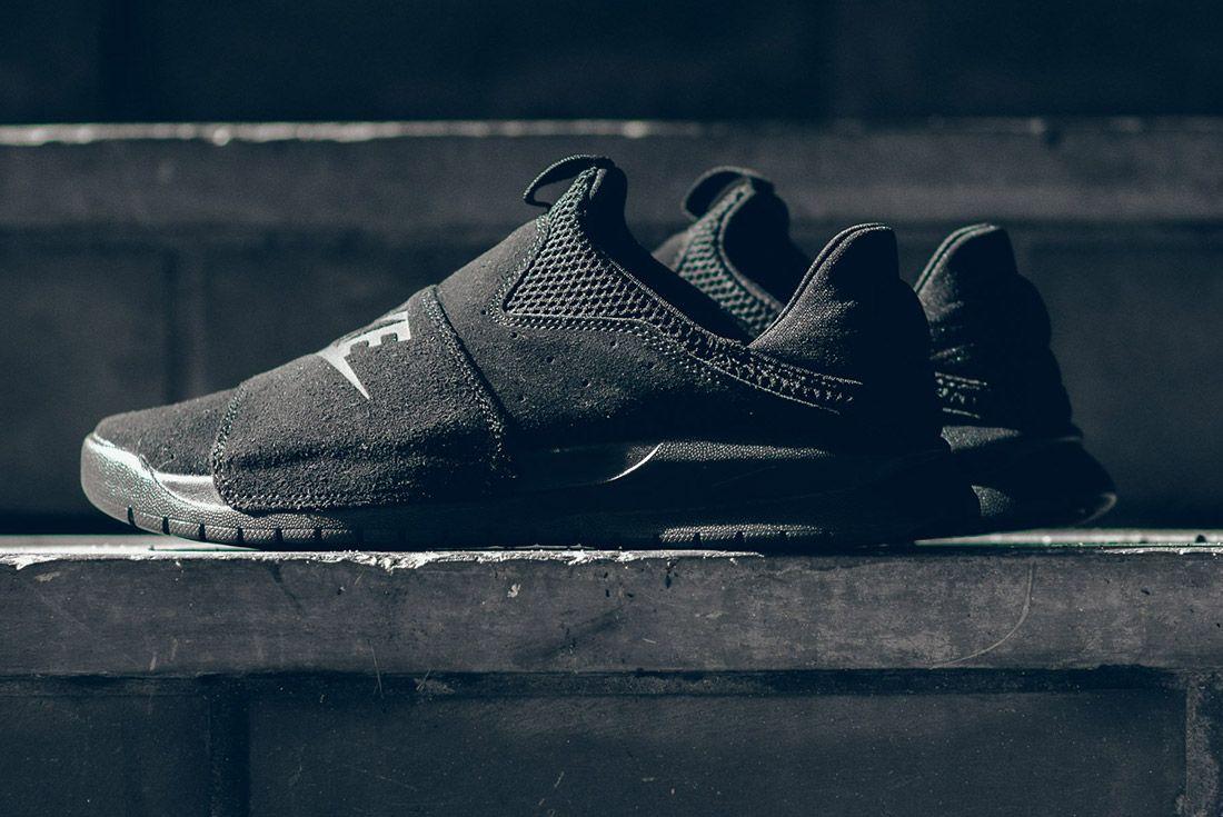 Nike Benassi Slp Triple Black 1