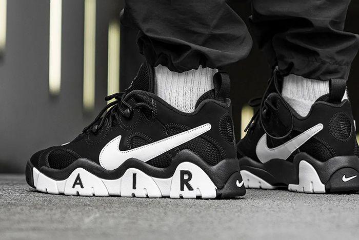 Nike Air Barrage Low Black White