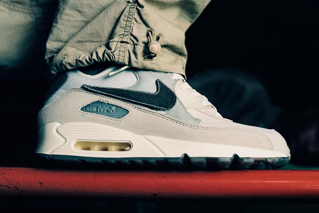 Basement Nike Air Max 90 Right Side 1100