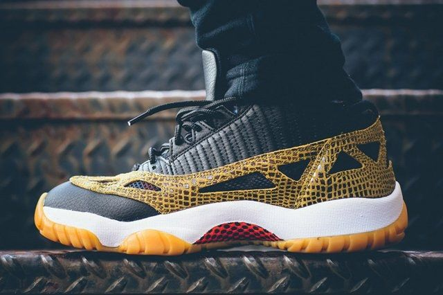 Air Jordan 11 Ie Low Snakeskin 1