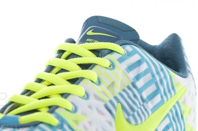 Nike Free Tr Fit Summit White Tongue