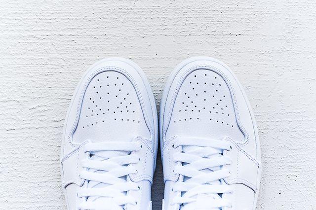 Air Jordan 1 Mid White Cool Grey 5