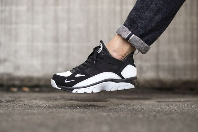 Nike Huarache Trainer Low Black White 1