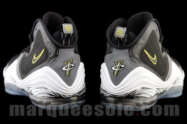 Penny Hardaway Nike Sneaker 2