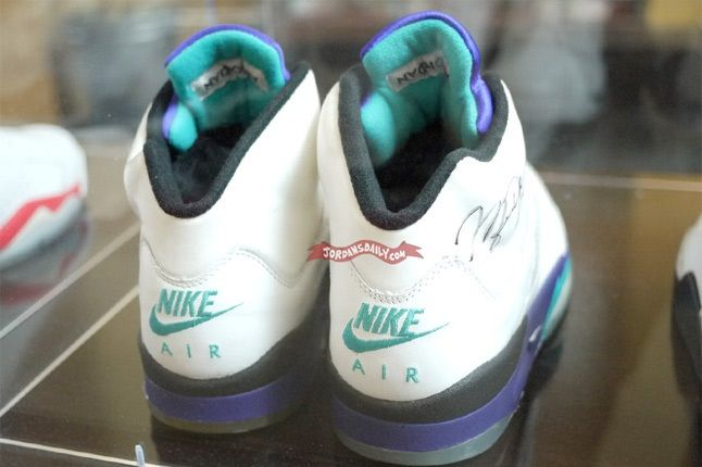 Air Jordan V Grape Michael Jordan Building 1 11