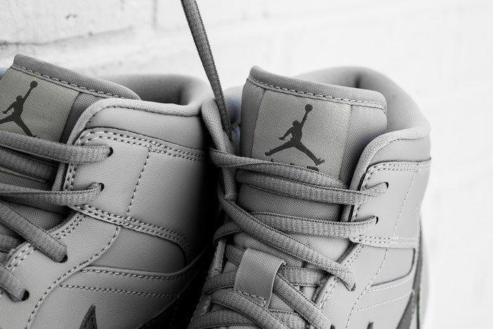 Air Jordan 1 Mid Cool Grey 4