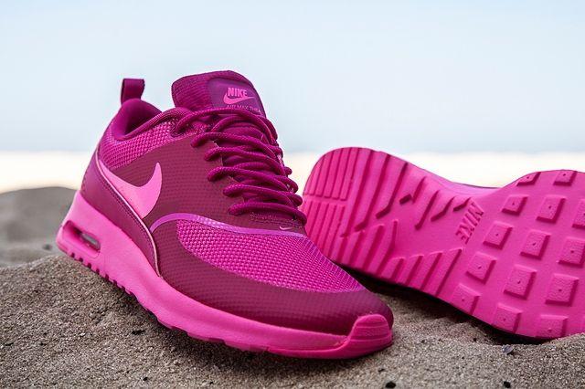 Nike Amthea Fireberry 3