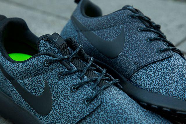 Nike Roshe Run Wmns Brain Print Pack 6