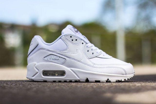 Nike Air Max 90 Gs Triple White 3