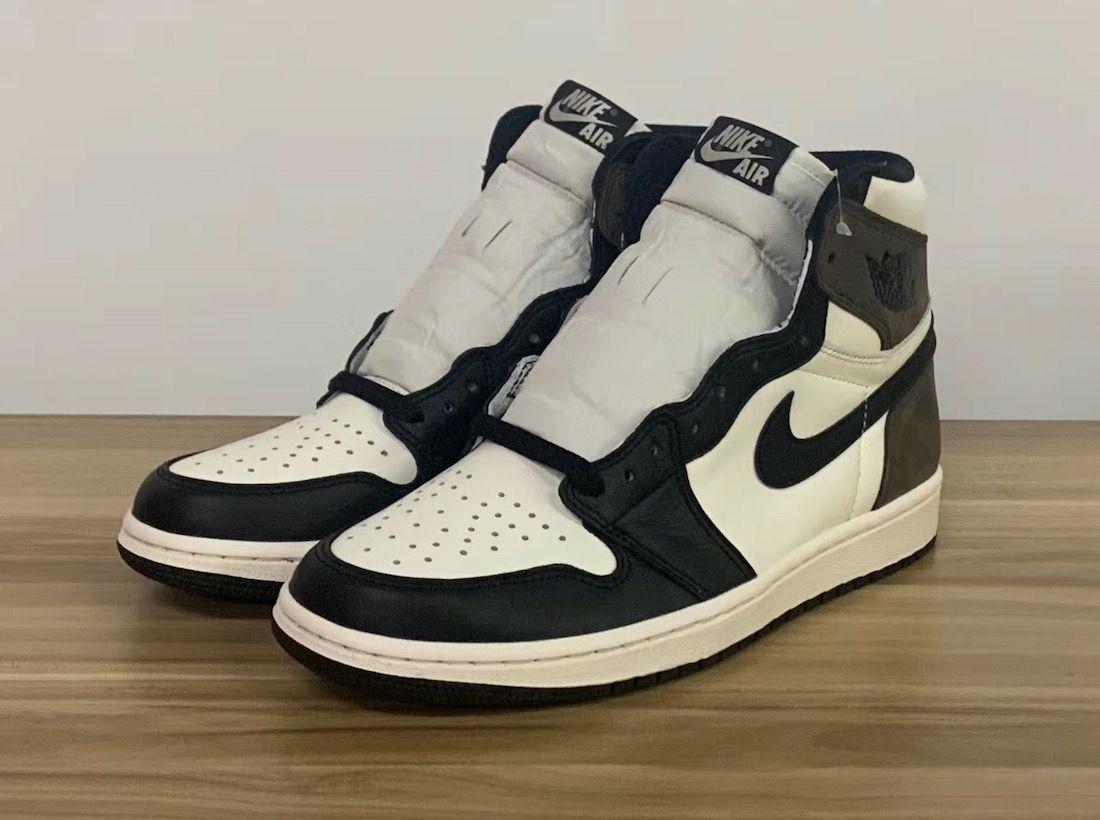 Air Jordan 1 Dark Mocha Angled