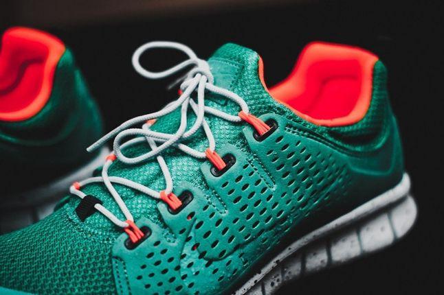 Nike Free Powerlines Ii Atomic Teal Tongue 1