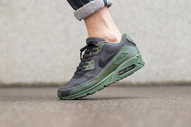 Nike Air Max 90 Winter Black Carbon Green 3