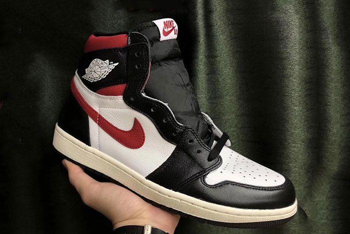 Air Jordan 1 Retro High Og Black Sail Gym Red 1