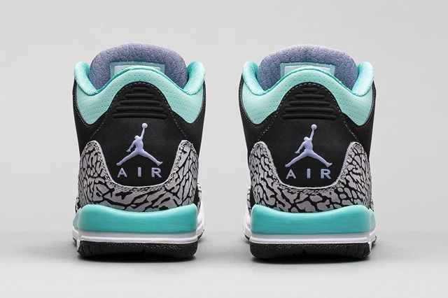Air Jordan 3 Girls Bleached Torquiose 2
