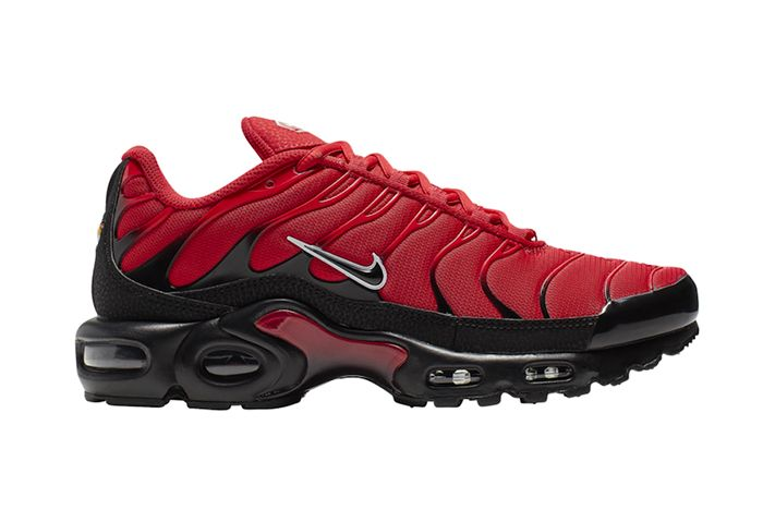 Nike Air Max Plus University Red Lateral
