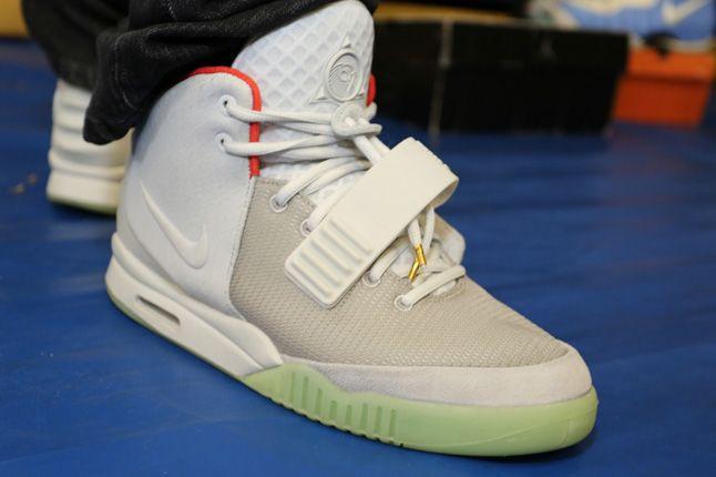 Sneaker Con Charlotte Yeezy Ii 1