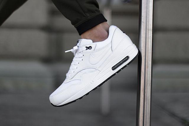 Nikeair Max 1 White Black
