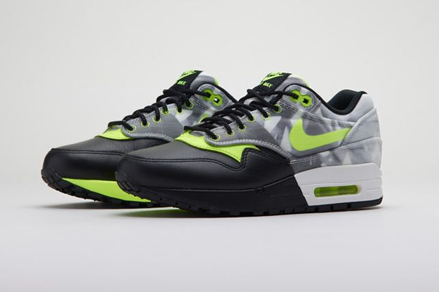 Nike Sportswear Polarizing Artist Colab Pack 2