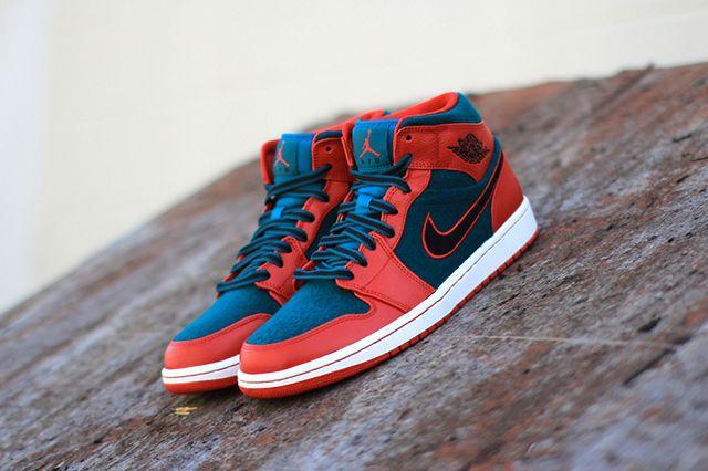 Air Jordan 1 Red Dark Sea 1