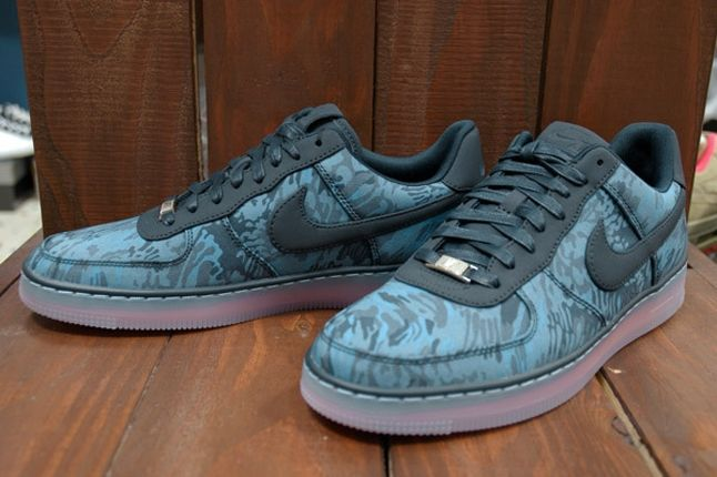 Nike Air Force 1 X Liberty Downtown Blue Angle 1