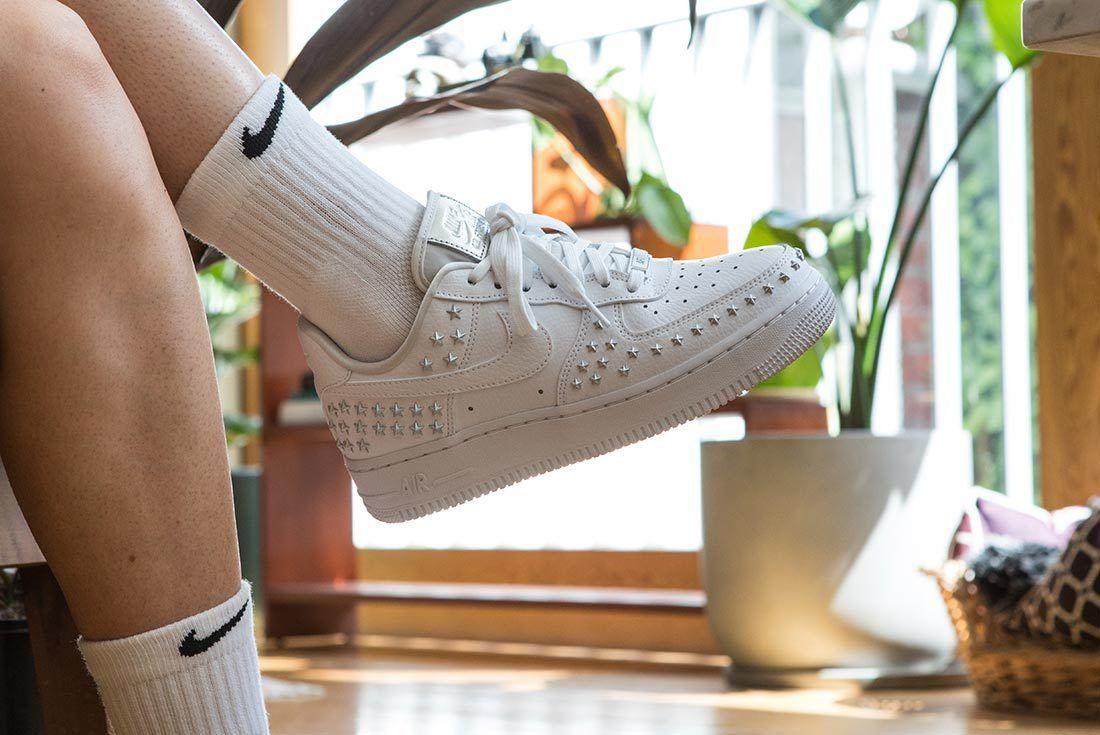 Ellen Potus Nike 2