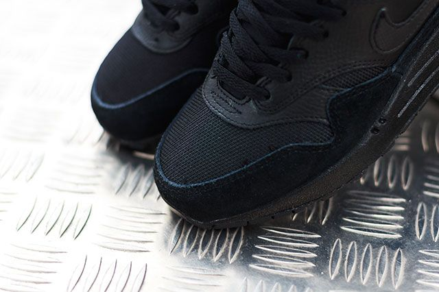 Nike Air Max 1 Triple Black 3