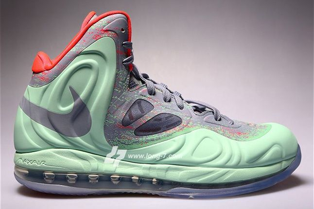 Nike Air Max Hyperposite Christmas Profile 1