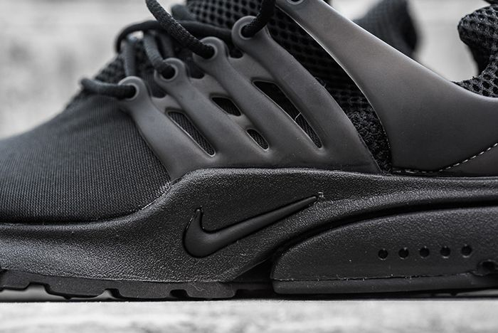 Nike Air Presto Triple Black8