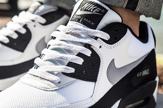 Nike Air Max 90 White Wolf Grey Black 2