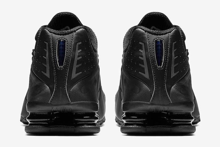 Nike Shox R4 Triple Black Heels