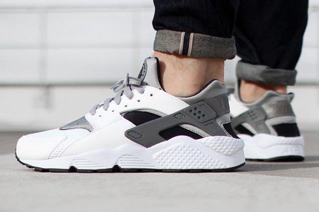 Nike Air Huarache White Black Grey 2