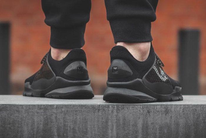 Nike Sock Dart Black 2