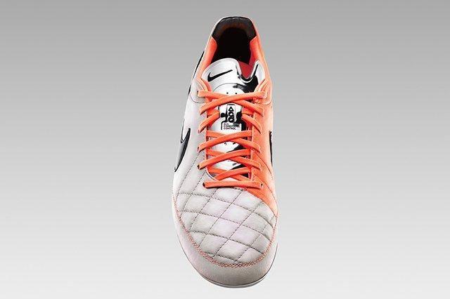 Nike Tiempo V 3