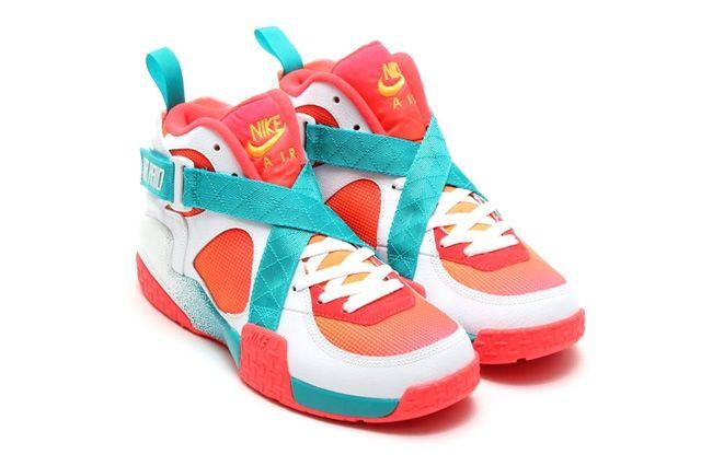 Nike Air Raser Laser Crimson Bump 2