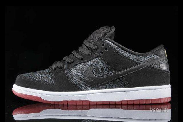 Nike Sb Dunk Low Snake Eyes 6