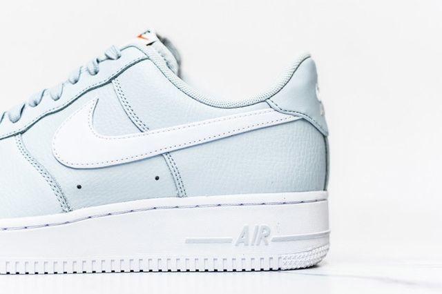 Nike Air Force 1 Pure Platinum 3