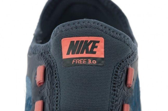 Nike Wmns Free 3V5 Armoryslt Mtllcsilv Tongue Detail 1