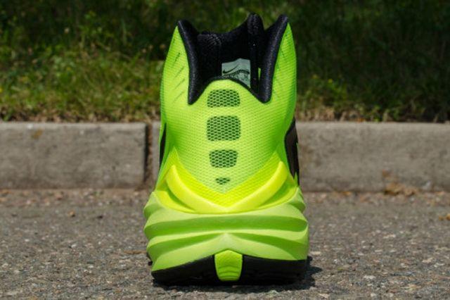 Nike Hyperdunk 2014 Volt Black 2