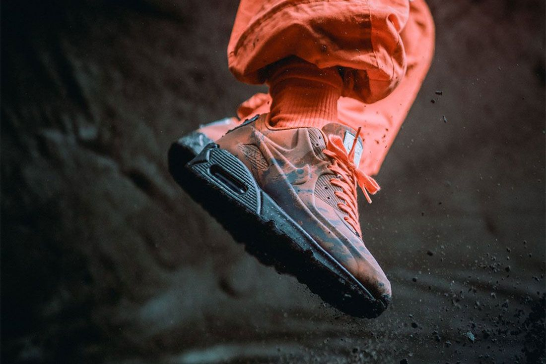 Air Max 95 Mars Landing Styling Side Shot