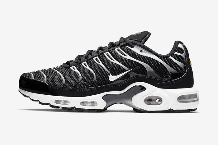 Nike Air Max Plus Black Reflective Silver Release Date Side Profile