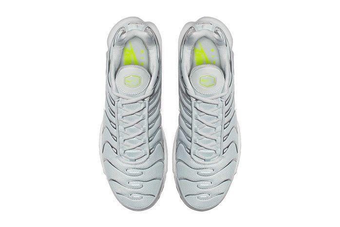 Nike Air Max Plus Grey Volt 3