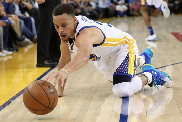 Steph Curry Kicks On Court