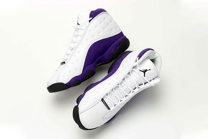 Air Jordan 13 Lakers Medial